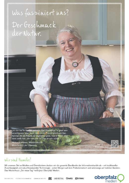 das Werbeplakat von Waltraud in ihrer Küche